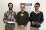 Fábio Coutinho e José Domingues, alunos do 4º ano do Mestrado Integrado em Engenharia Eletrónica e Telecomunicações, e Prof. Arnaldo Oliveira, do DETI-UA/IT