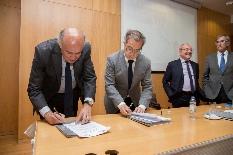 UA acolhe assinatura de protocolo entre o CRUP e a Agência Universitária da Francofonia